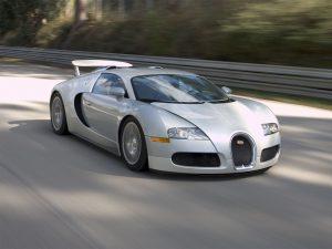 Strieborné auto